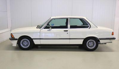 BMW 323 i wit 1.jpg