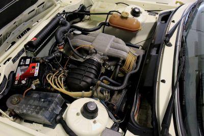 BMW 323 i wit 17.jpg
