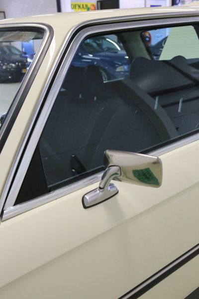BMW 323 i wit 18.jpg