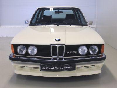 BMW 323 i wit 5.jpg