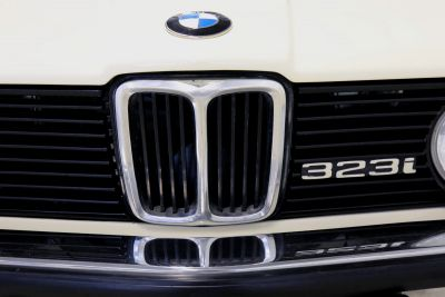 BMW 323 i wit 6.jpg