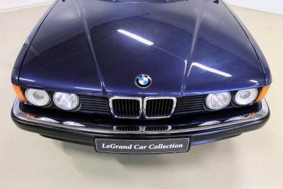 BMW 7 serie blaauw.jpg14.jpg
