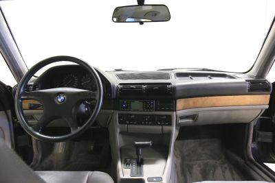 BMW 7 serie blaauw.jpg23.jpg