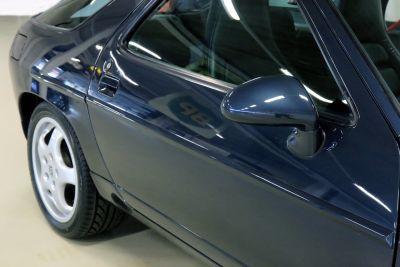 Porsche 928.jpg25.jpg