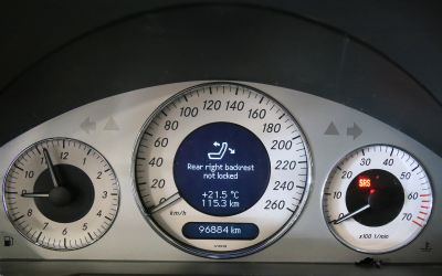 mercedes E 500 AMG 10.jpg
